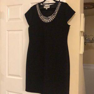 Dresses & Skirts - Ladies formal knee length dress size 16